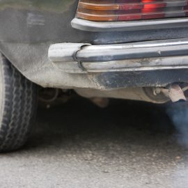 Assessing the links between air pollution and breast cancer risk