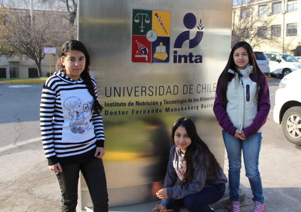 niñas en la Universidad de Chile